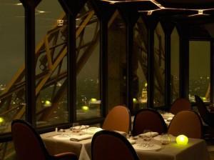 Il Jules Verne di Parigi, sulla Torre Eiffel, a 125 metri da terra